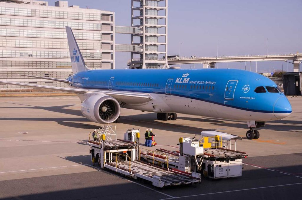 KLM vliegtuig op de grond Nederland