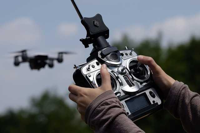 Drone besturing met een controller