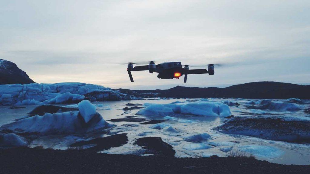 drone met water en ijs bij lage temperatuur