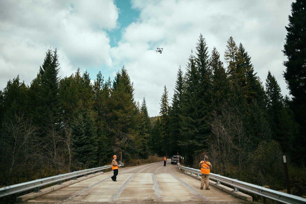 drone inspectie op een weg