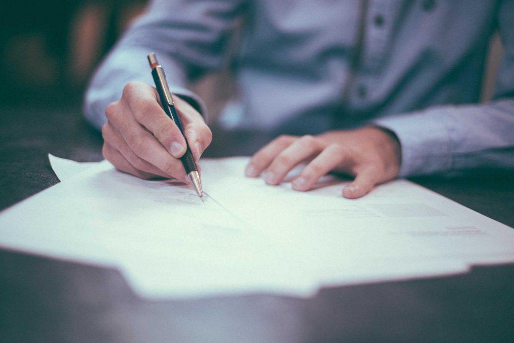 het ondertekenen van een vergunning
