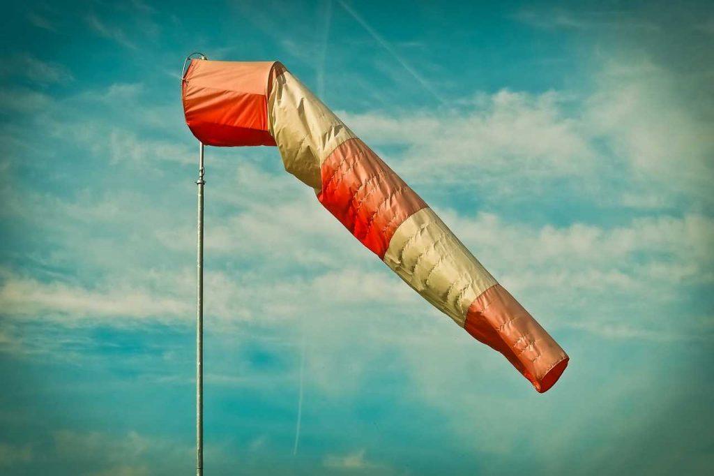 Luchtzak voor windrichting en windsterkte