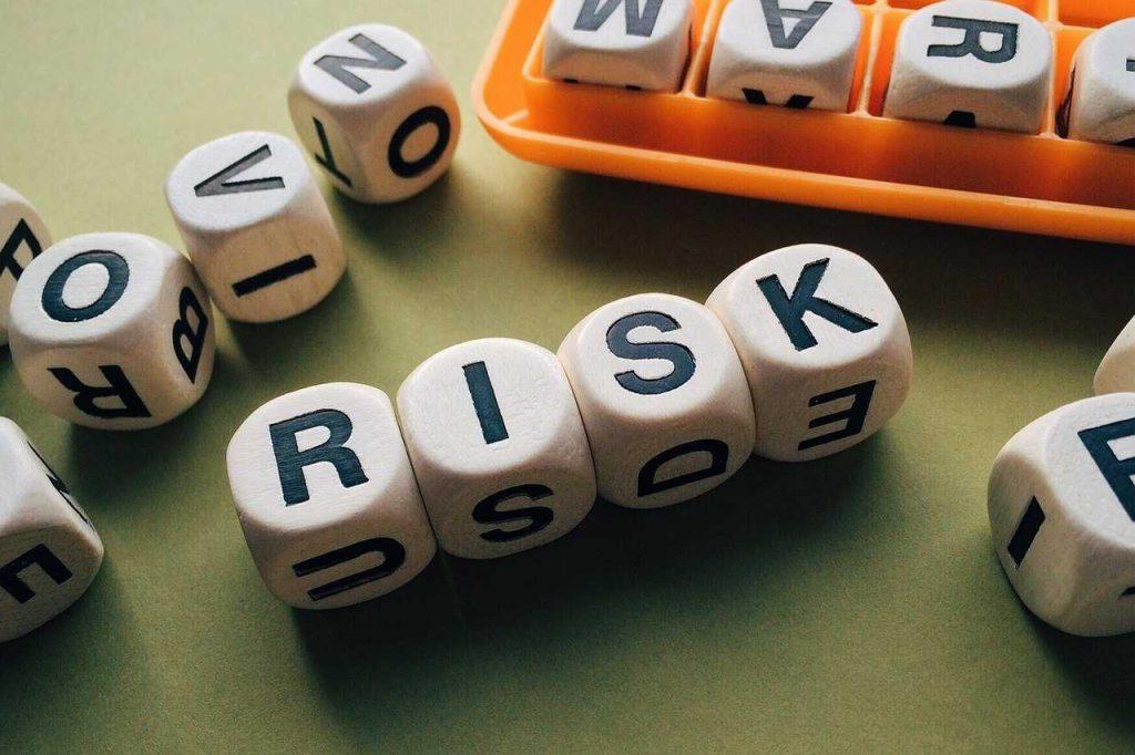 dobbelstenen risico letters spelling