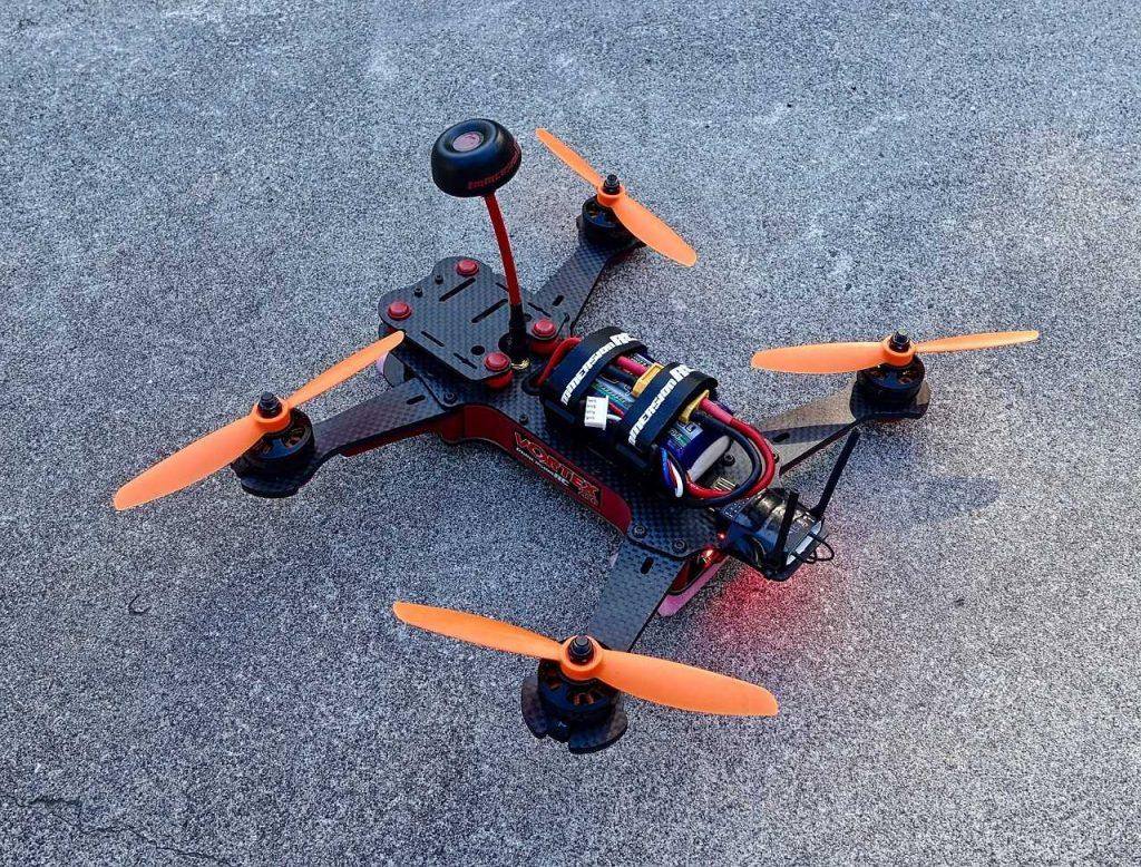 drone racing FPV zelfgemaakt