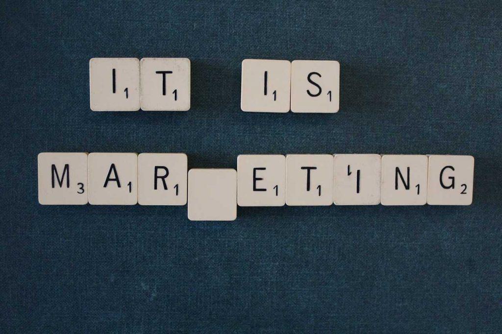 marketing woord op tafel