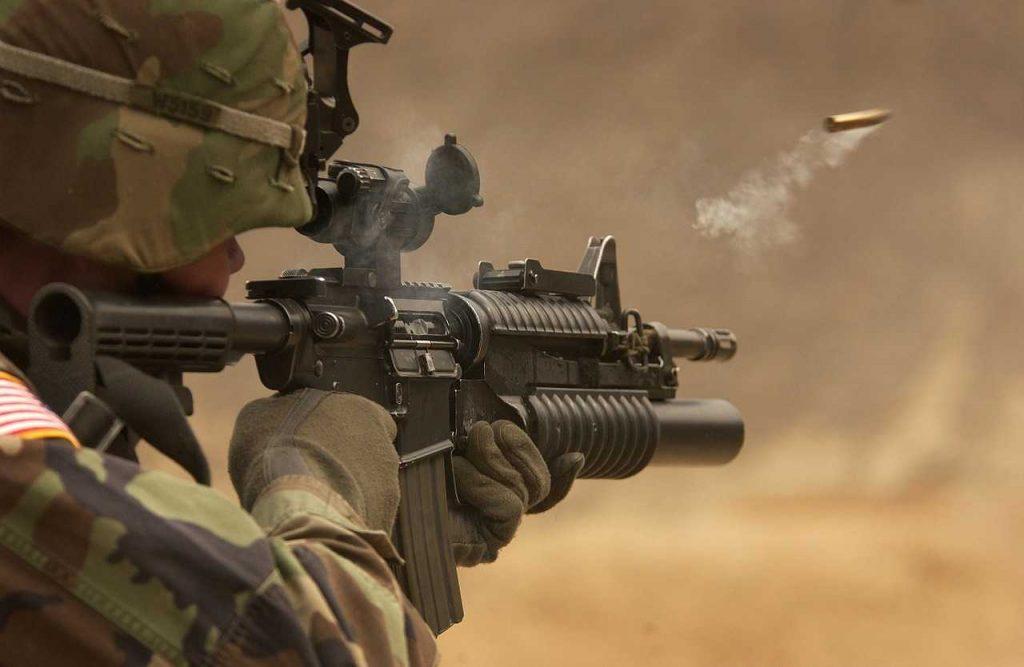 militair schiet woestijn leger munitie actie