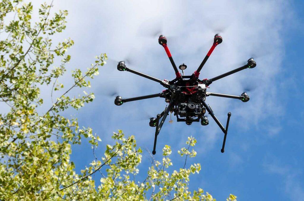 octocopter lucht vliegen blauwe lucht