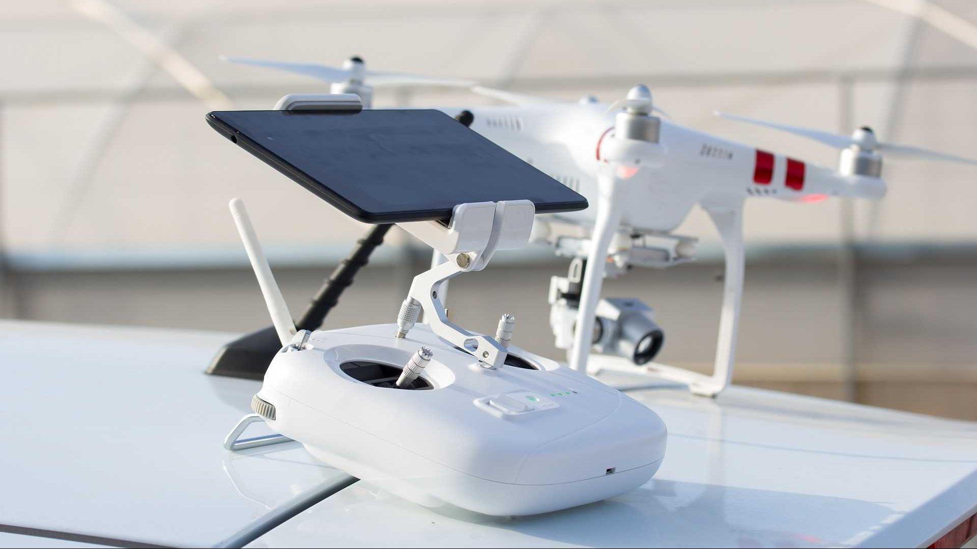 witte drone controller drone live videobeeld