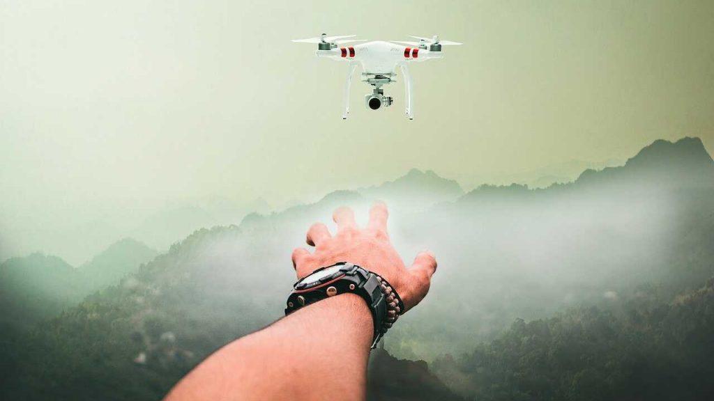 drone besturen handen pahntom 3 standard