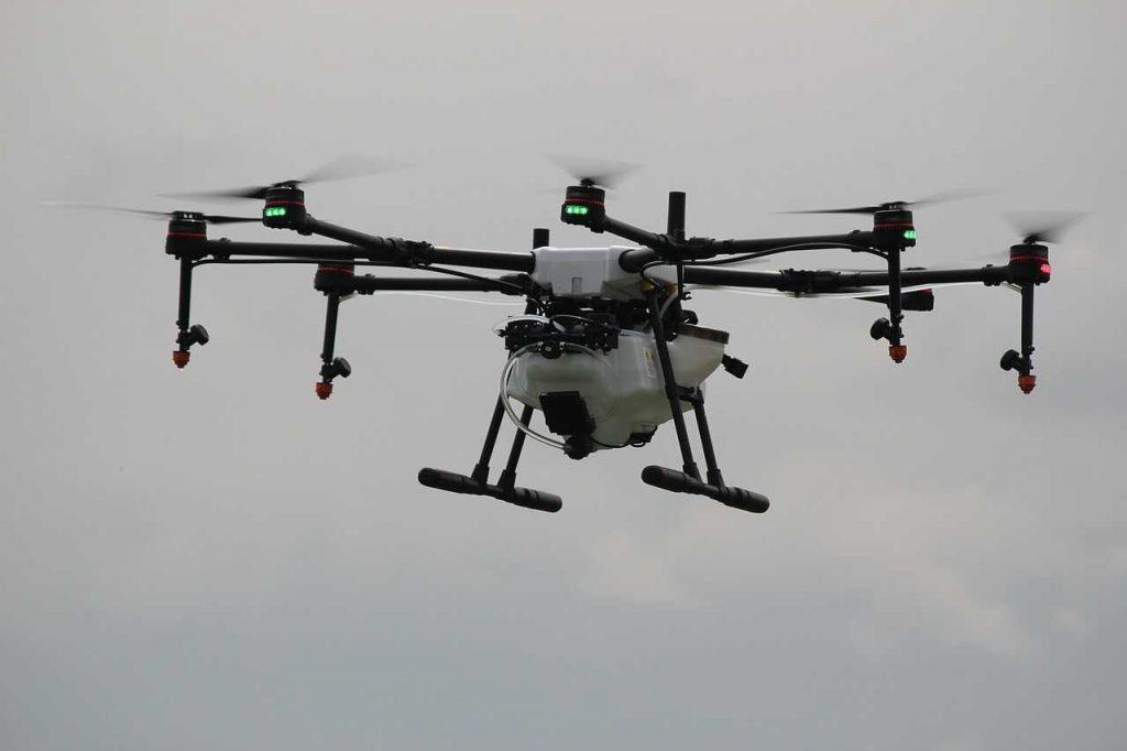 witte drone voor landbouw sproeien industrie