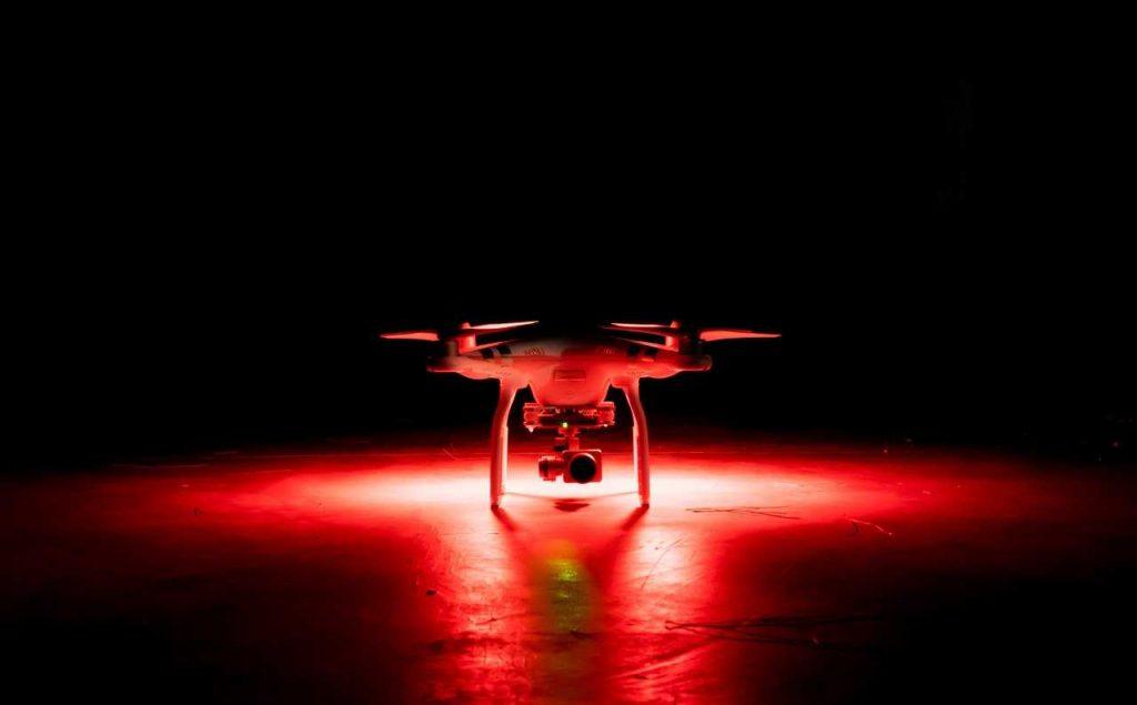Hoe herken je een drone in het donker?