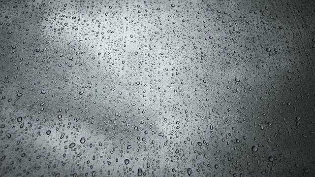 regen drone vliegen nat
